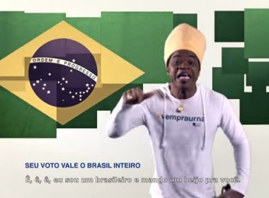 Colunista crítica Carlinhos Brown por propaganda das eleições: 'deveria pensar duas vezes'